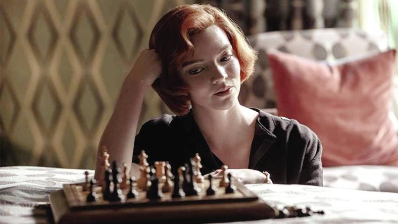 """La série phare de Netflix, """"The Queen's Gambit"""""""
