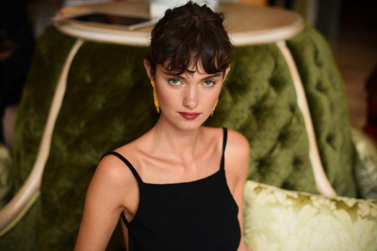 Mannequin, humoristique et actrice, Léa Bonneau revient sur son parcours et son apparition dans la série Lupin
